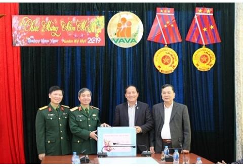 Trung tướng Đỗ Căn thăm, chúc Tết Hội Nạn nhân chất độc da cam/dioxin Việt Nam