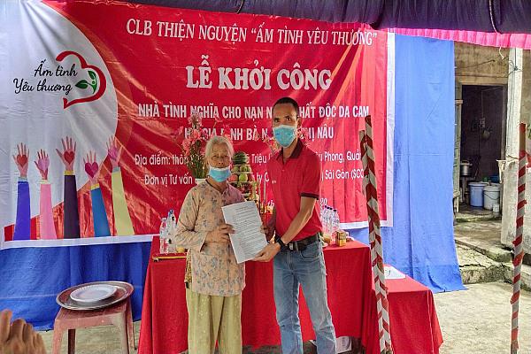 Câu lạc bộ Thiện nguyện Ấm tình yêu thương khởi công xây nhà tình nghĩa cho nạn nhân chất độc da cam