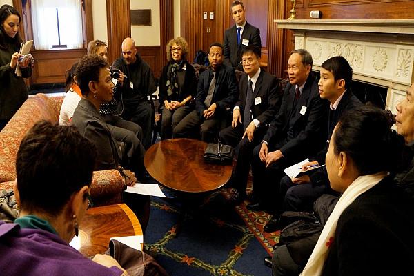 Hạ nghị sĩ Mỹ trình dự luật cứu trợ nạn nhân chất độc da cam 2021