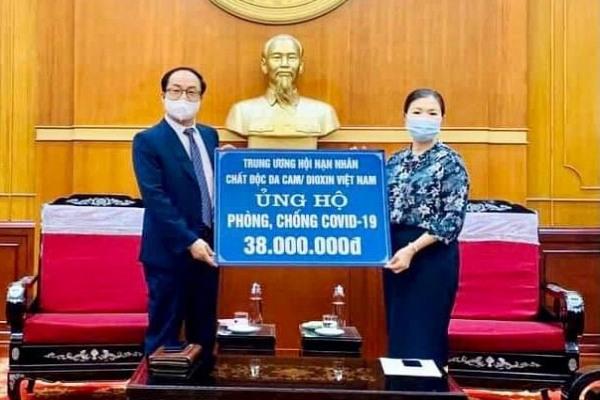 Cán bộ, nhân viên Trung ương Hội NNCĐDC/dioxin Việt Nam chung tay đẩy lùi đại dịch Covid-19