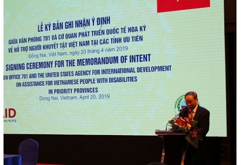 Thượng tướng Nguyễn Văn Rinh, Chủ tịch Hội Nạn nhân chất độc da cam/dioxin Việt Nam đã có bài phát biểu tại  Lễ ký Bản ghi nhận ý định giữa Văn phòng 701 và Cơ quan Phát triển quốc tế Hoa Kỳ về